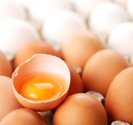 Agriculture experts in the U.S. now say that eggs are lower in cholesterol than previously thought. The U.S. Department of Agriculture recently reviewed the nutrient composition of standard large eggs -- and found 185 mg of cholesterol in one large egg. That is 14% lower than previously reported. What's more? That large egg is also packed with 41 IU of vitamin D, a 64% increase.