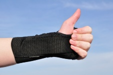 A splint is a simple way to help with CTS.