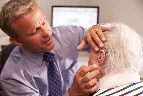 eHealth_Aug-10-2015_news-_resistance-to-hearing-loss-treatment-could-lead-to-depression_marji