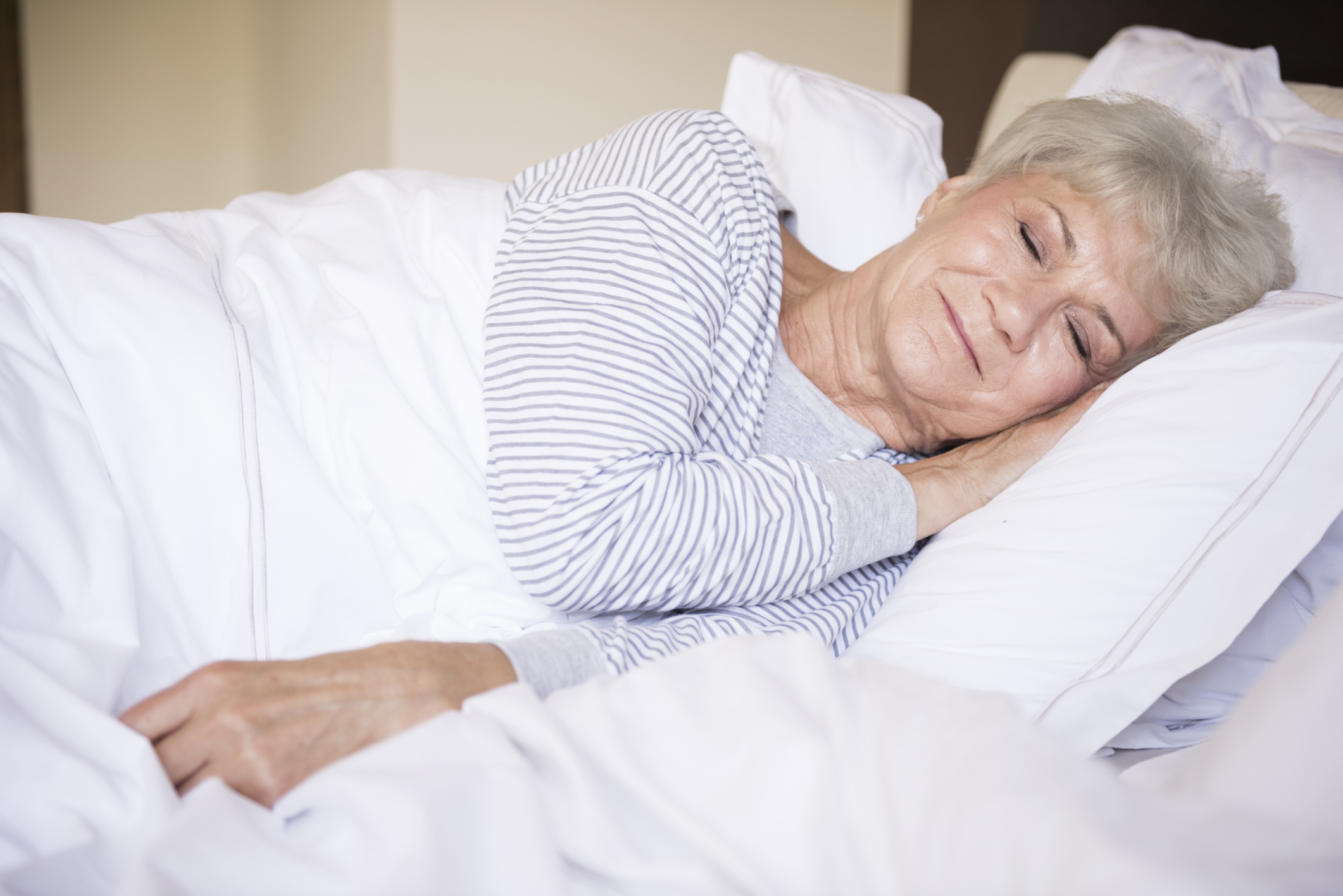 eHealth_Aug 6 2015_news _sleeping on side reduces alzheimers risk_yaneff