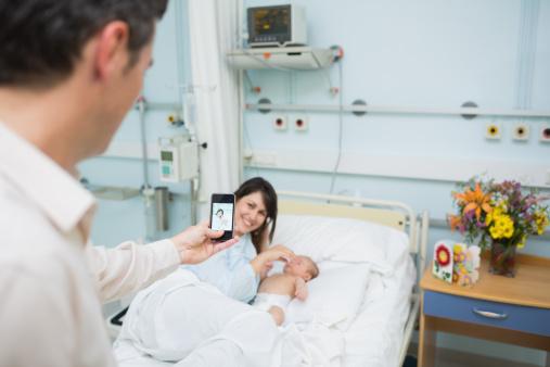 Smartphone-Sterilizing Device