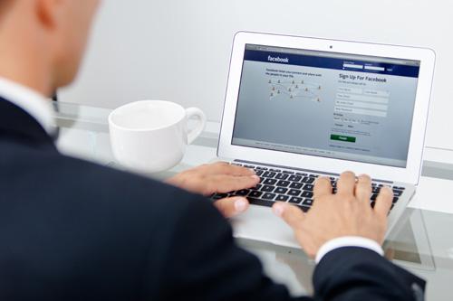 Facebook Linked With Sleep Disorders