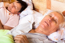 People who snore have a greater risk of suffering from a heart attack or brain hemorrhage.