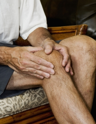 knee buckling