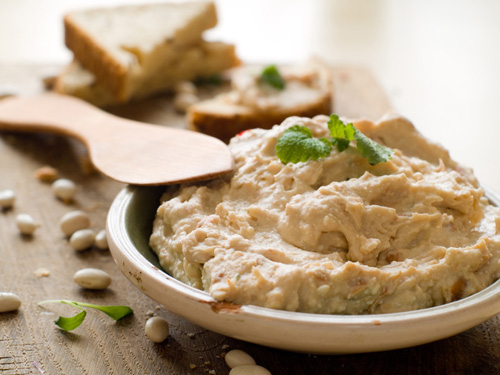 Hummus nutrition 10 reasons to eat hummus every day hummus nutrition sisterspd