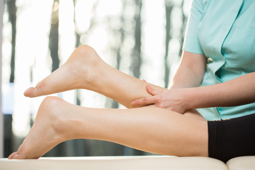 Sore Calf Muscles Causes Symptoms And Natural Treatments