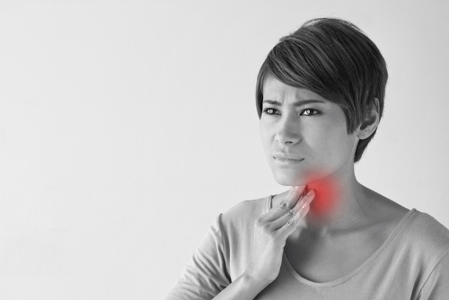 Sore Throat On One Side 7 Causes And Treatments